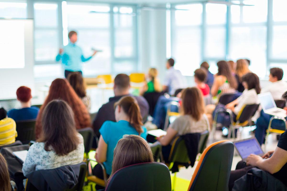 Bolsas de Docentes para 65 especialidades (Profesores de Secundaria, Formación Profesional, EO Idiomas, etc.), en Extremadura