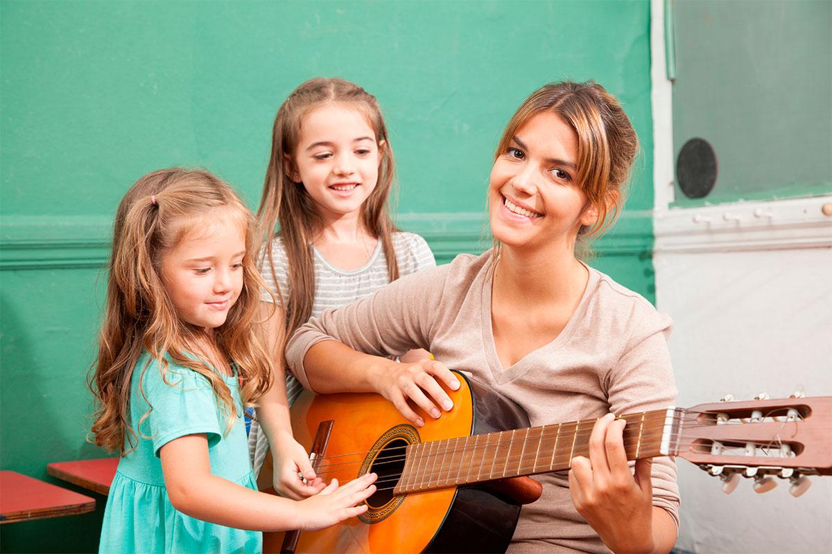 Música la asignatura que está siendo ignorada, hace a los niños más inteligentes