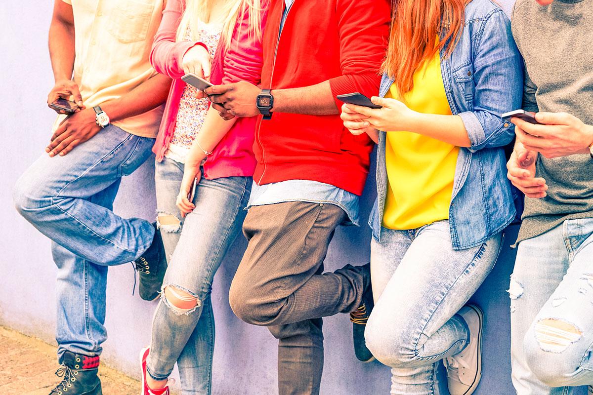 Se prohibirá el uso del móvil en las aulas francesas