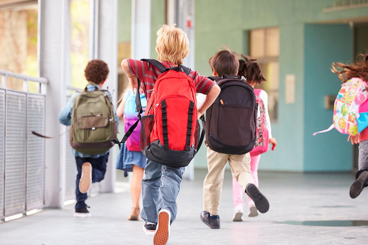Es una de las quejas más frecuentes de los niños es el dolor de espalda