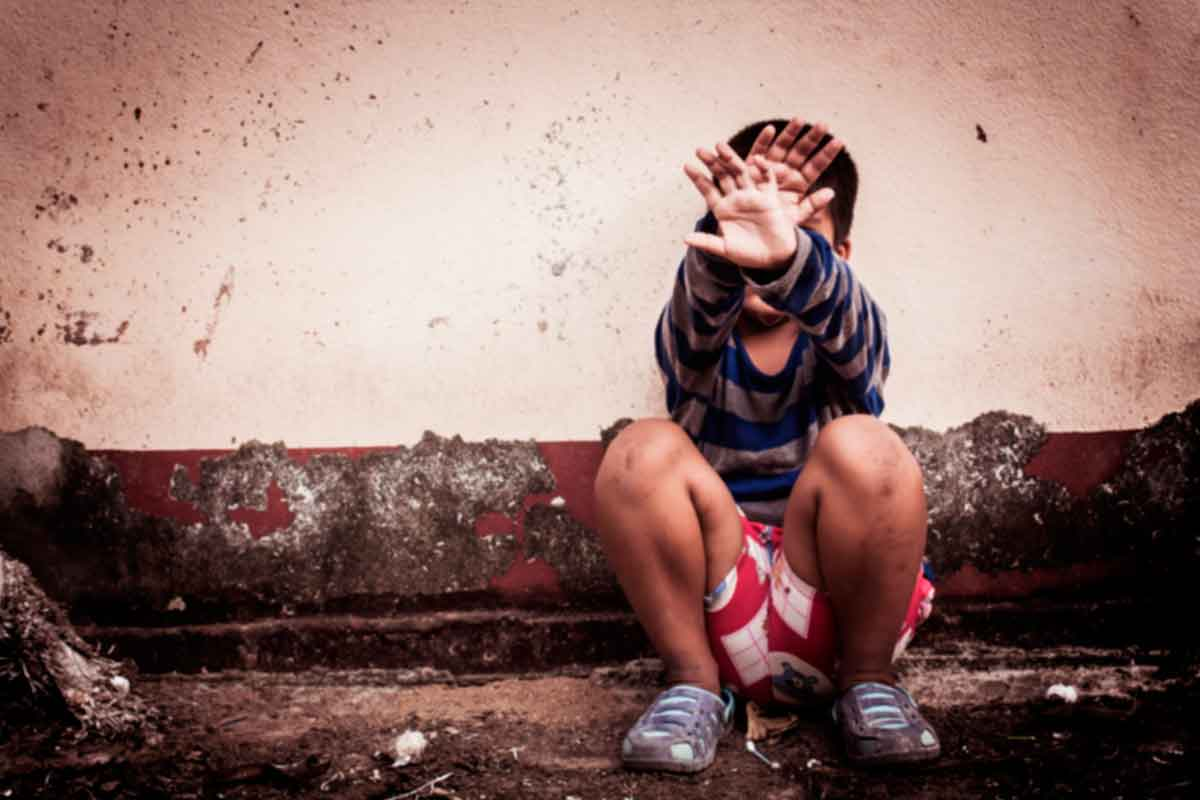 Sufrir violencia escolar, desde el comienzo hasta el fin de los estudios