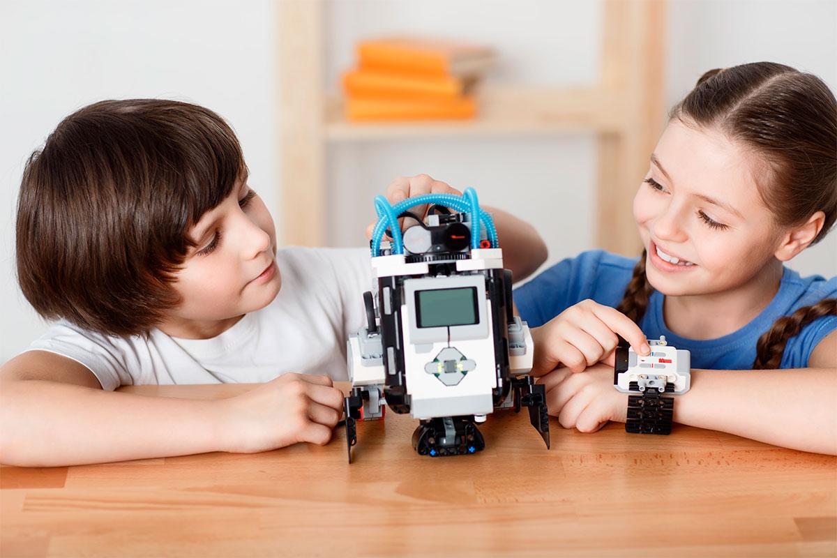 Programación y robótica, dos nuevas materias que se deberán impartir